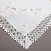 OBRUS CXY 13663 /white (biały podkład z biało-brązowym haftem)